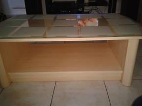 table basse bois clair dessus plateau en verre d 39 occasion petites annonces. Black Bedroom Furniture Sets. Home Design Ideas