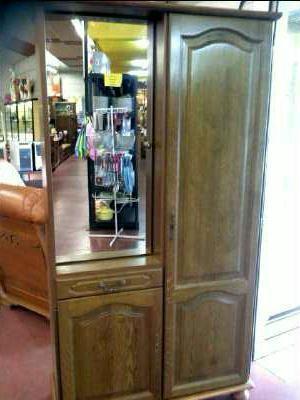 Meuble vestiaire 3 portes 1 tiroir decor chene d 39 occasion for Meubles occasion vaud