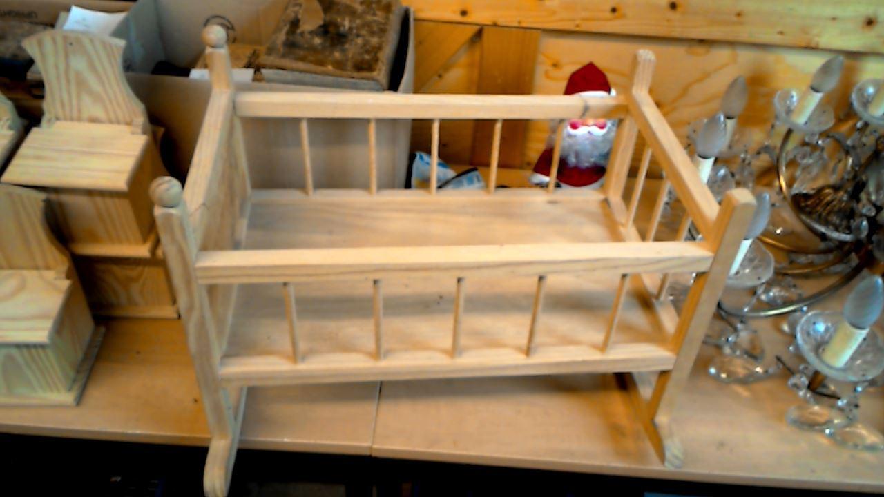 berceau en bois d 39 occasion. Black Bedroom Furniture Sets. Home Design Ideas