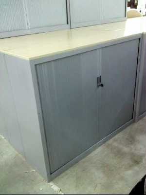 armoire metallique a rideaux pro 130x160 d 39 occasion. Black Bedroom Furniture Sets. Home Design Ideas